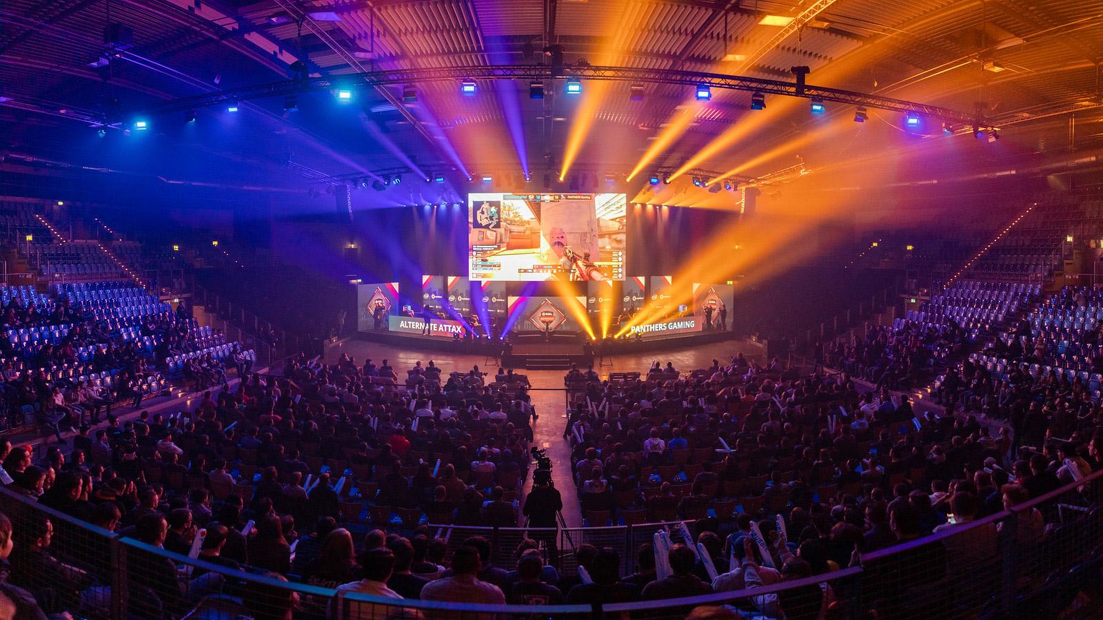 EURONICS Gaming und expert eSport siegen in Oldenburg bei der ESL Meisterschaft